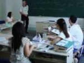 网上辅导英语哪里有效?孩子英语学习需要辅导来突破!