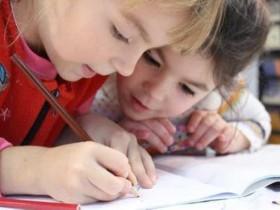 通过小学生英语短文故事,培养孩子的英语学习兴趣