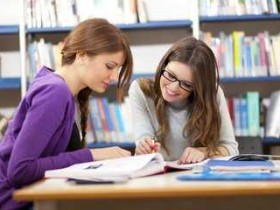 外教教小朋友英语,是怎么教的?